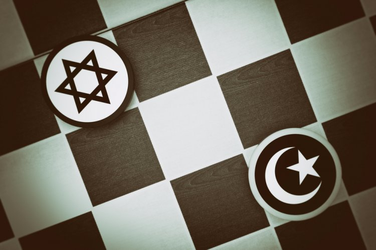 An Intimate Rivalry: The Jews and Classical Islam