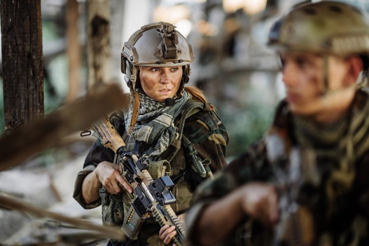 Was Integrating Women into Combat Units  a Success ?