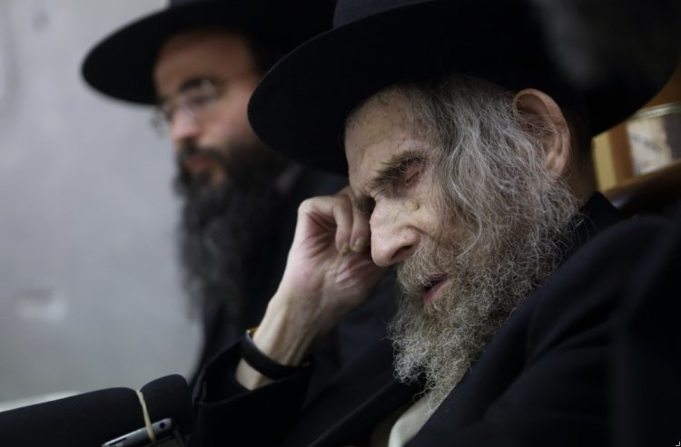 The Gadol Hador Rabbi Shteinman Prayed for Us for 100 years; Let's Pray 100 Seconds for His Recovery!