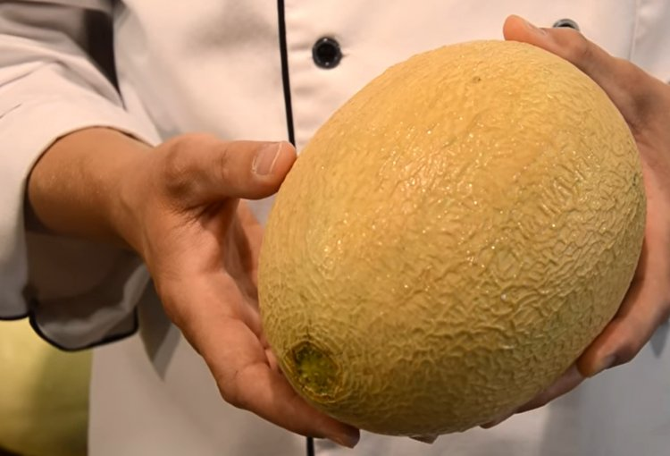 Watch: How to Pick a Ripe Cantaloupe or Melon