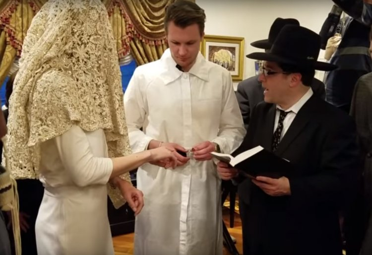 Watch: A Jewish Wedding at The Klatzko's