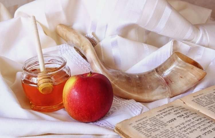Candle-Lighting Times for Rosh Hashanah: September 9, 2018 | 5779