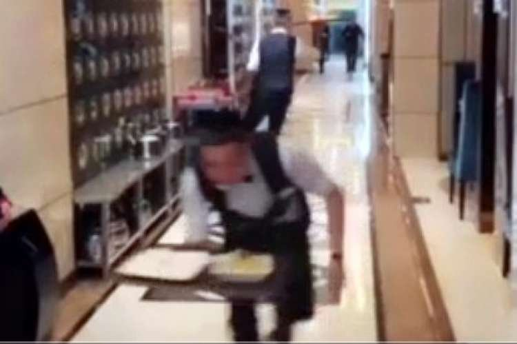 Watch: Waiters on Roller Skates – Only in China