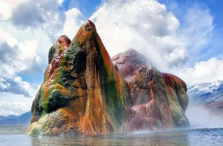 Fly Geyser - Incredible Spectacle in Nevada's Black Rock Desert