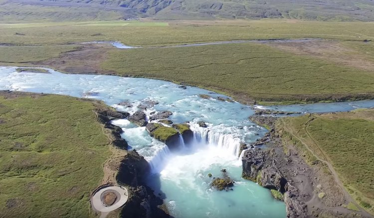 See the Most Beautiful Waterfalls in Iceland - Wonders of Creation