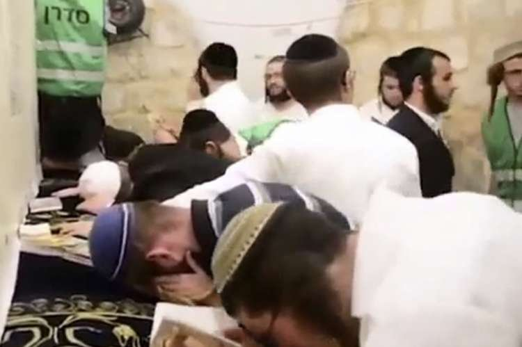 A Record of 3,500 Worshipers Entered Joseph's Tomb in Nablus - Watch