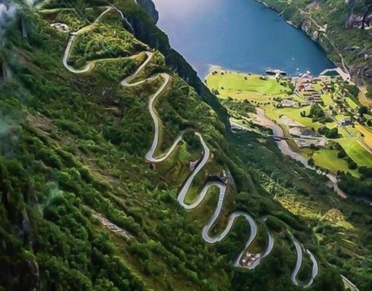 Crazy Roads from Around the World you won't Believe Exist - Gallery