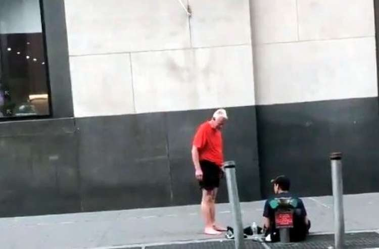 Jogger Gives Homeless Man his Shoes and Walks Home Barefoot - Must Watch