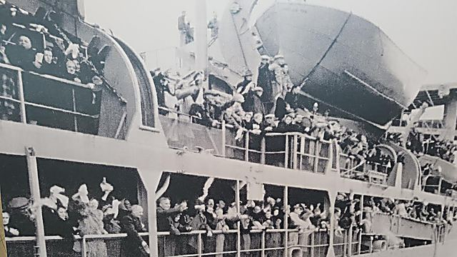 Jews leaving China after war